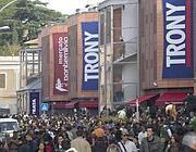 La folla all'inaugurazione di Tr0ny un anno fa